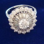 ballerina-vintage-halo-round-baguettes-diamonds-white-gold