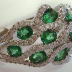 emerald lattice wedding band