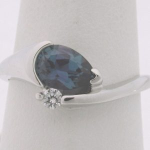 2531 Alexandrite Ring